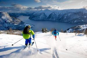 Норвегия по праву считается одной из самых красивых и привлекательных стран в мире, особенно с точки зрения зимнего туризма