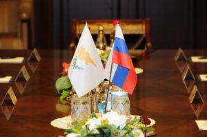 Посольство может открываться только после взаимного признания государствами суверенитета друг друга