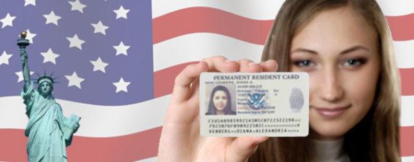 Существует два прямых способа законного въезда в страну – оформление визы в посольстве США и выигрыш в лотерее «Green Card»