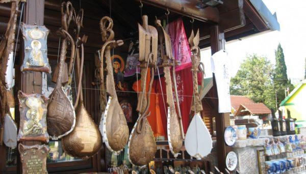 Сувениры и покупки в Черногории