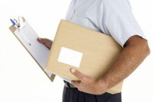 Визу и документы может доставить курьерская служба