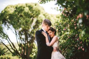 Новоиспечённые невесты не подозревают что без знания языка и профессии они обречены на полную зависимость от супруга и многие другие сложности