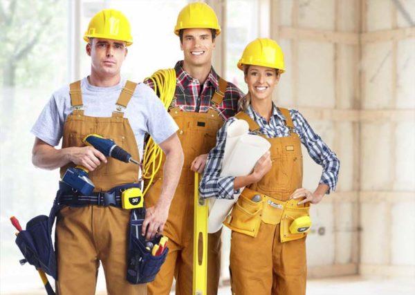 Без знания языка можно устроиться строителем