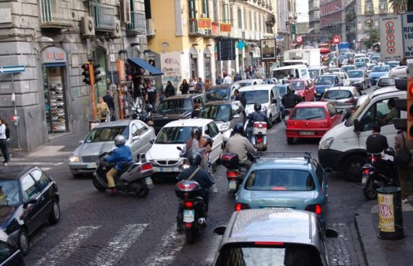 Доминиканцы не очень соблюдают правила уличного движения