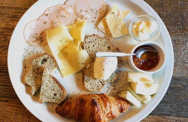 Континентальный завтрак