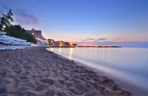 Пляж на курорте святых Константина и Елены