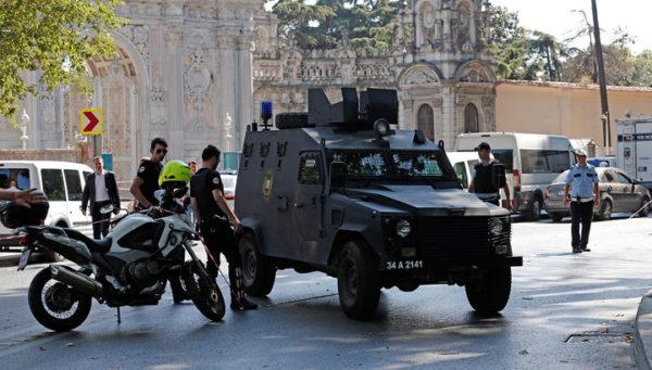 Турецкие полицейские