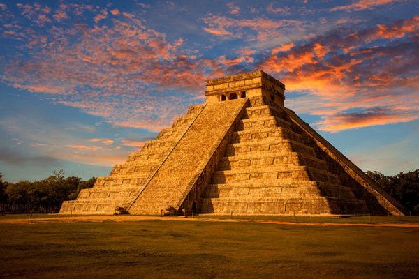 Увидеть пирамиду майя своими глазами — это дорогого стоит
