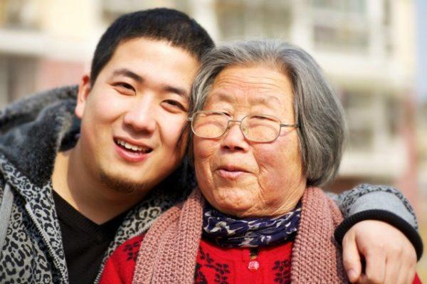 В Китае к старикам относятся уважительно