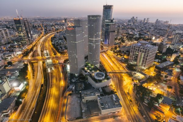 В Тель-Авиве нужны работники для прокладки и обслуживания транспортных магистралей, железных дорог