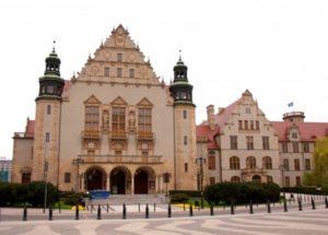 Университет Мицкевича в Познани