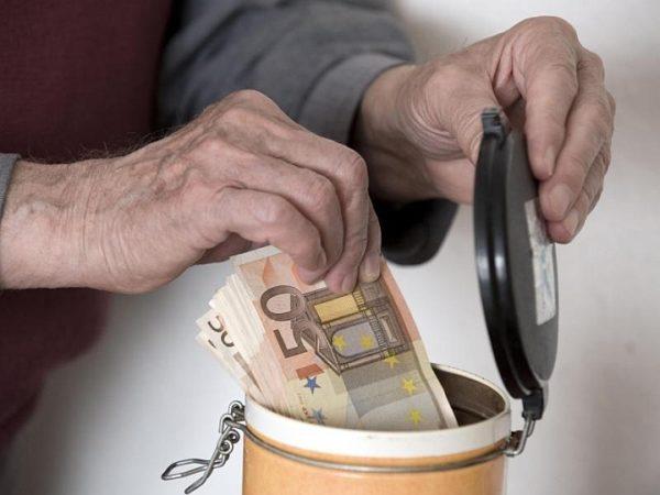 Австрийские пенсионеры получают в среднем 2800 долларов