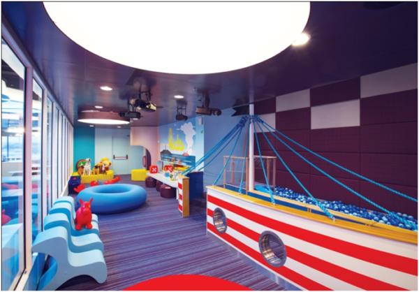 Для детей есть игровые зоны, спортивные площадки, поэтому путешествие с детьми на пароме становится сплошным развлечением