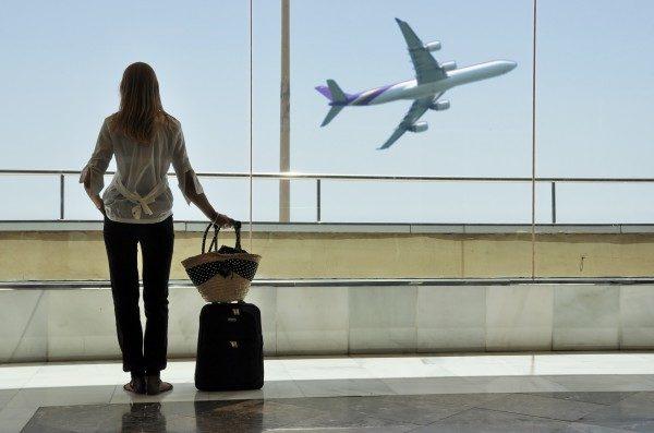 Если вы не собираетесь покидать здание аэропорта, то и загранпаспорт вам не нужен
