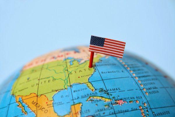 Как переехать работать в США