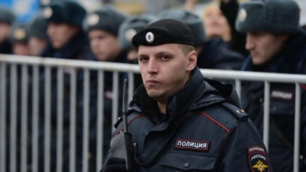Полицейским ограничили выезд за границу