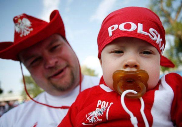 Только человек имеющий польские корни может получить Карту поляка