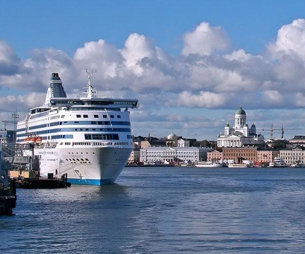 В Финляндию на пароме из Санкт-Петербурга