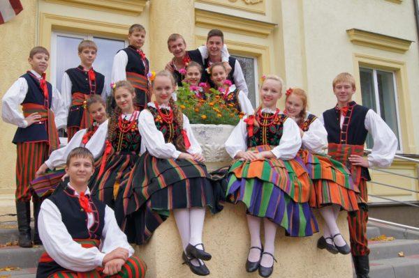 В Польше интересные традиционные танцы и замечательные яркие фестивали