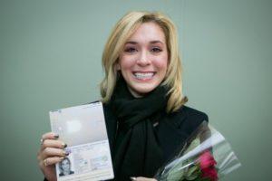 Счастливая обладательница литовского паспорта